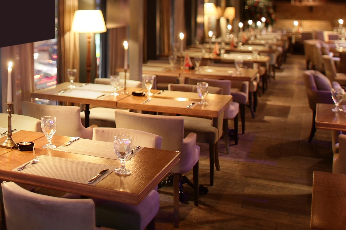 Restaurant-Lighting_Elegance-Decor